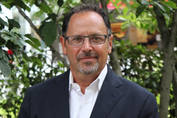 headshot of Jeffrey S Davis